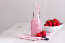 Strawberry And Blueberry Smoot...