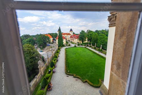 Zamek Wałbrzych widok z okna pałac zabytek ogród dolny śląsk - 375334994