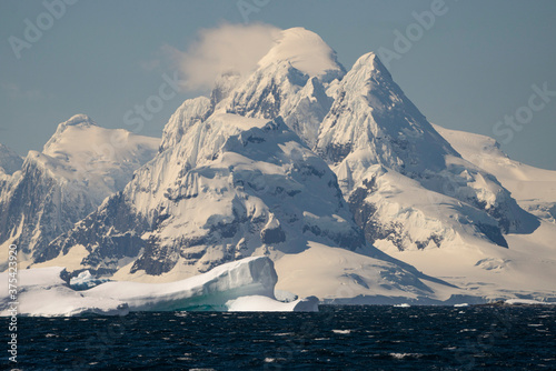 Mt. Luigi, Antarctica. Poster Mural XXL