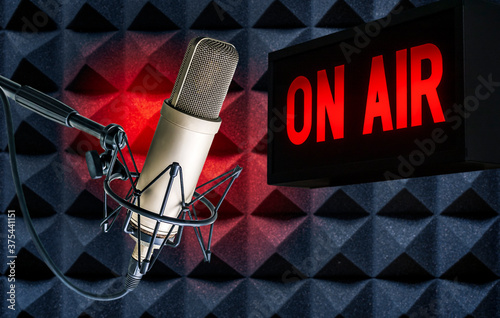 Fotografia Professional microphone and on air sign