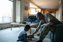 Army Soldier Father And Son Pl...