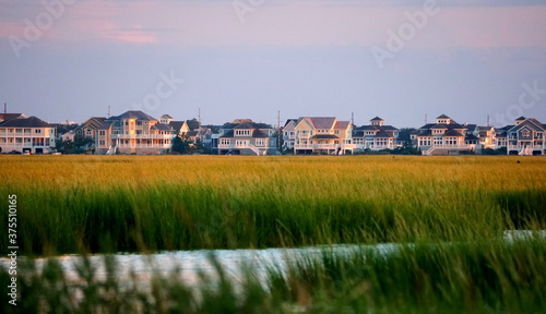 Photo Beautiful waterfront homes by the bay near Bethany Beach, Delaware, U