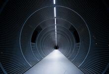 Túnel Circular Con Iluminación