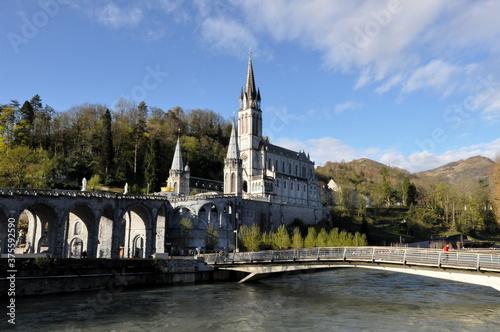 Obraz na plátne Sanktuarium w Lourdes Francja, Maryjne centrum Pielgrzymkowe