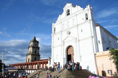Catedral de Santa  Cruz del Quiché, Guatemala Fototapeta