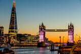 Fototapeta Londyn - tower bridge in london at night