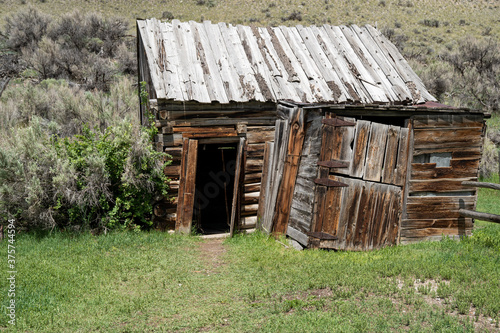 Tablou Canvas Abandoned building and shack in Bannack Ghost Town in Montana