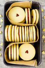 Jammie Dodgers In Baking Tin