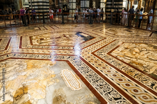 Obraz na plátně Gorgeous close-up view of the inlaid marble mosaic floor of the transept in the Siena Cathedral