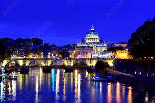 Saint Peter Cathedral and bridge at night in Rome, Italy Canvas-taulu