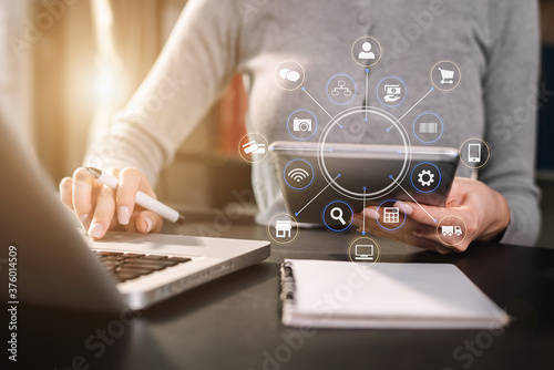 Fotomural Businessman hand using smartphone, mobile p payments online shopping, omni channel, digital tablet in office