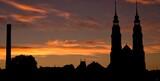 Fototapeta Londyn - Katedra o wschodzie słońca w Opolu
