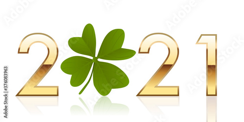 Fotomural Carte de vœux porte bonheur, avec 2021 écrit en chiffres dorés autour d'un trèfle à quatre feuilles qui symbolise la chance et la réussite