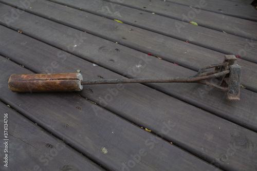 Marca de gado em ferro e madeira Canvas Print