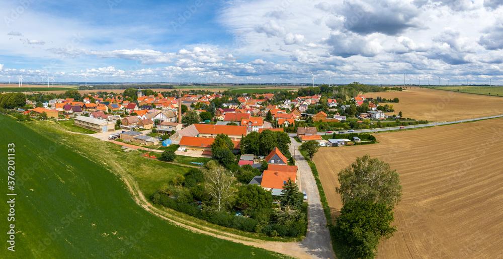 Fototapeta Blick über Quenstedt Arnstein Salzlandkreis - obraz na płótnie