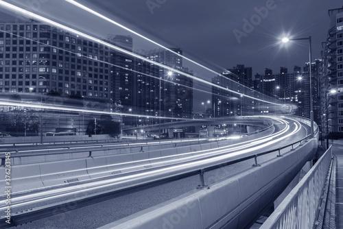 Obraz Night traffic in urban city - fototapety do salonu