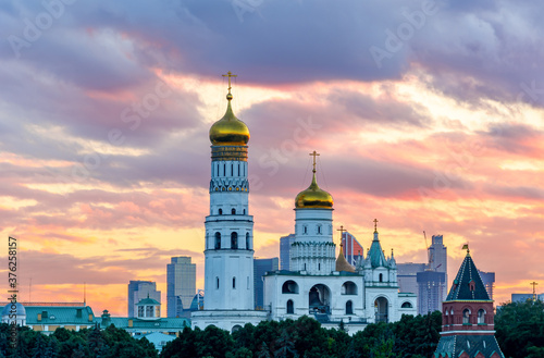 Ivan the Great Bell Tower at sunset, Moscow Kremlin, Russia Fotobehang