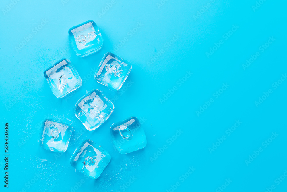 Fototapeta Ice cubes and water drops