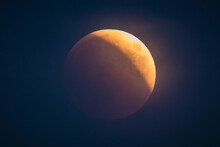 Red Or Blood Moon, Hazy Full M...