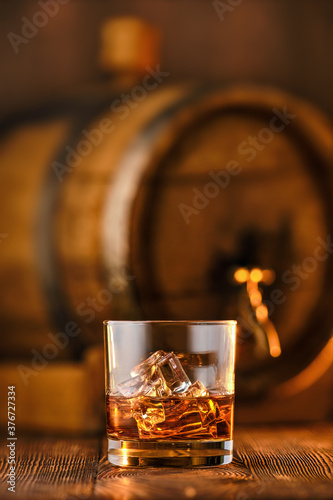 Tablou Canvas Glass of whiskey with ice