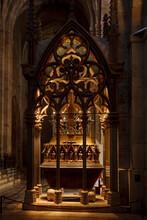 Vaults And Tombs, Kings Of Catalonia And Aragon Pere II (1305), Gothic Church, Cistercian Monastery, Santes Creus, Aiguamurcia, Catalonia, Spain