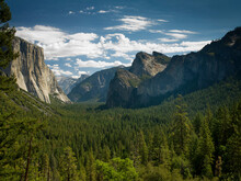 Yosemite Valley Tunnel View, Yosemite National Park, California, USA