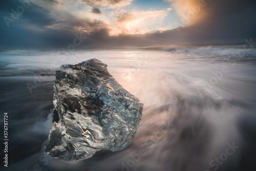 Long exposure of Diamond Beach in Iceland Fotobehang