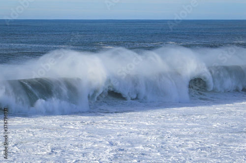 Extreme Massive big waves of the North Atlantic Ocean