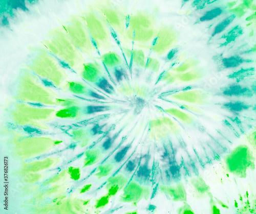 Tela Green spiral tie dye wallpaper