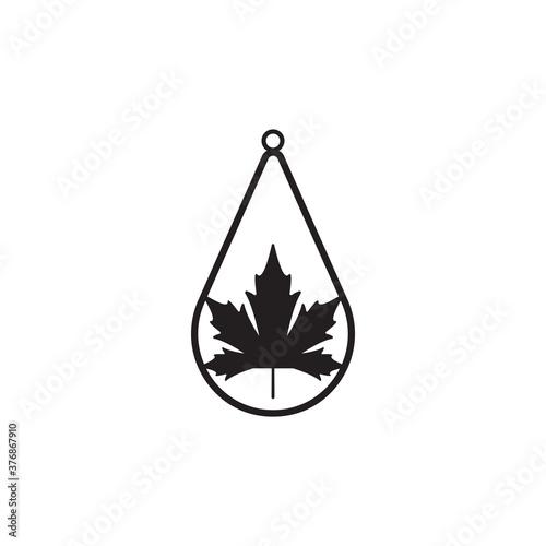 Teardrop earring icon design template vector isolated Billede på lærred