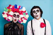 Photo Of Zombie Ghost Couple Man Lady Shocked Open Mouth Speechless Find Out Themselves Underworld Wear Black Dress Death Costume Roses Headband Suspenders Isolated Blue Color Background