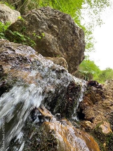 riachuelo rio cascada