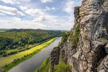 Blick Auf Die Elbe In Der Säc...