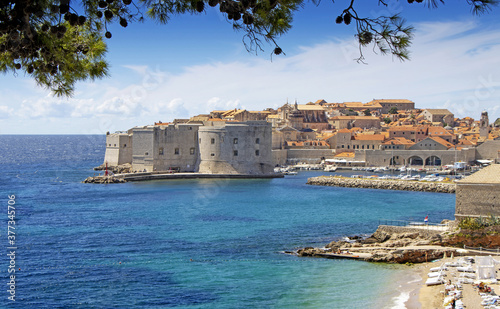 Papel de parede Panorama view on the historical old town Dubrovnik, Croatia