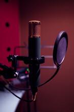 Microphones In Radio Recording...