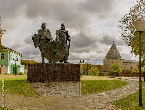 Obraz na plátně Monument to princes Rurik and Oleg near the Starai Ladoga fortress