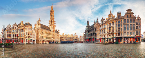 Obraz Brussels - panorama of Grand place at sunrise, Belgium - fototapety do salonu