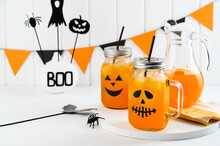 Halloween Pumpkin Iced Mocktai...