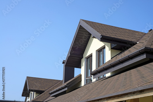 Fotografia roof of newly builded house