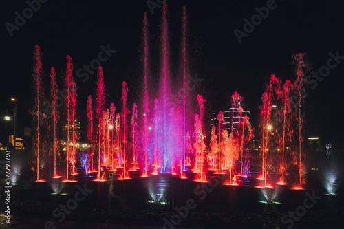 Fotografiet fountain at night