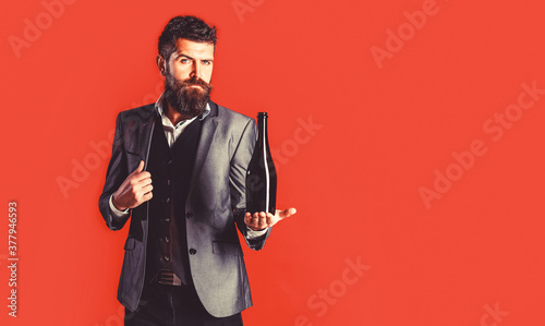 Canvas Print Bearded man with a bottle champagne of and glass