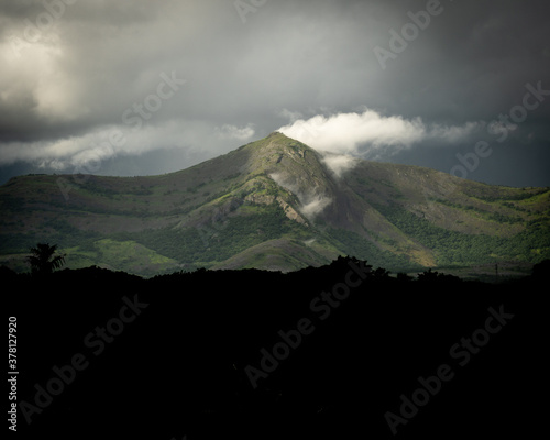 Slika na platnu The beauty of western ghats when light falls on her is the most serene moment