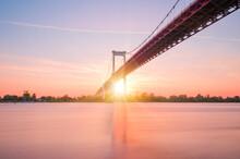 Le Pont D'Aquitaine Au-dessus ...