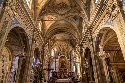 Obraz na plátně Interno chiesa Robilante