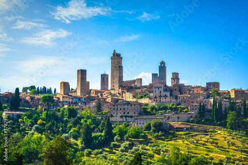 Obraz na plátně San Gimignano medieval town towers skyline. Tuscany, Italy