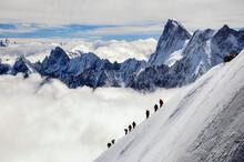 Alpinisme, Cordée En Montagne...