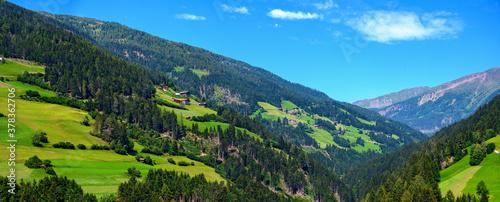 Obraz na plátně Villgraten valley with mountain farmsteads