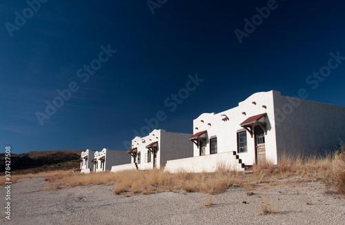 Canvas Print Abandoned motel, New Mexico