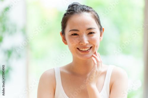 綺麗な肌の女性 ビューティーイメージ Fotobehang