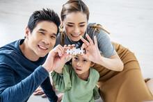 Happy Family, Asian Little Dau...